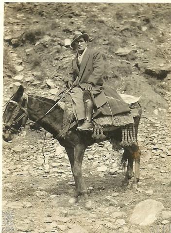 1933.En las Alpujarras,trabajando para el Atlas.